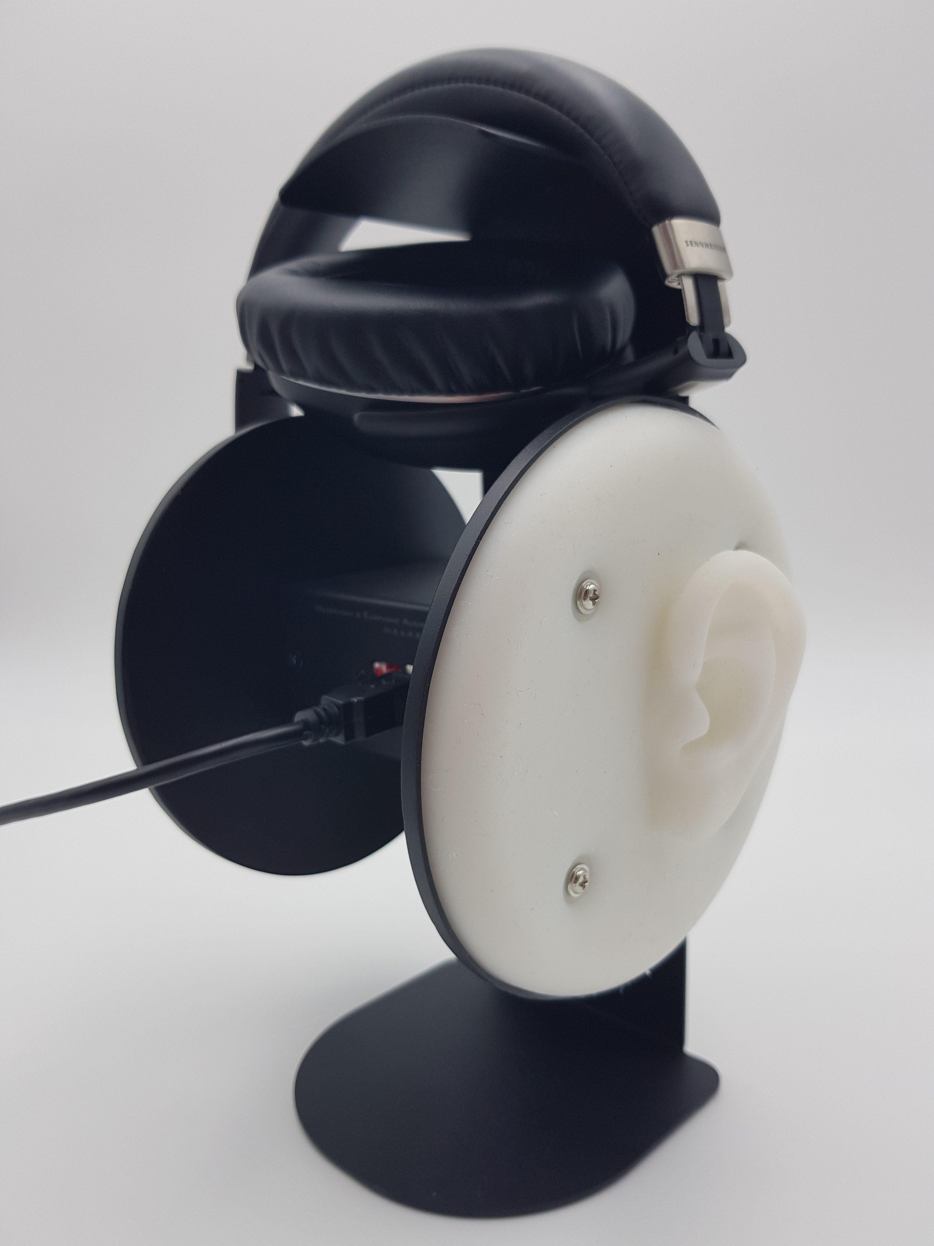 EARS von MiniDSP mit dem Sennheiser PXC 550