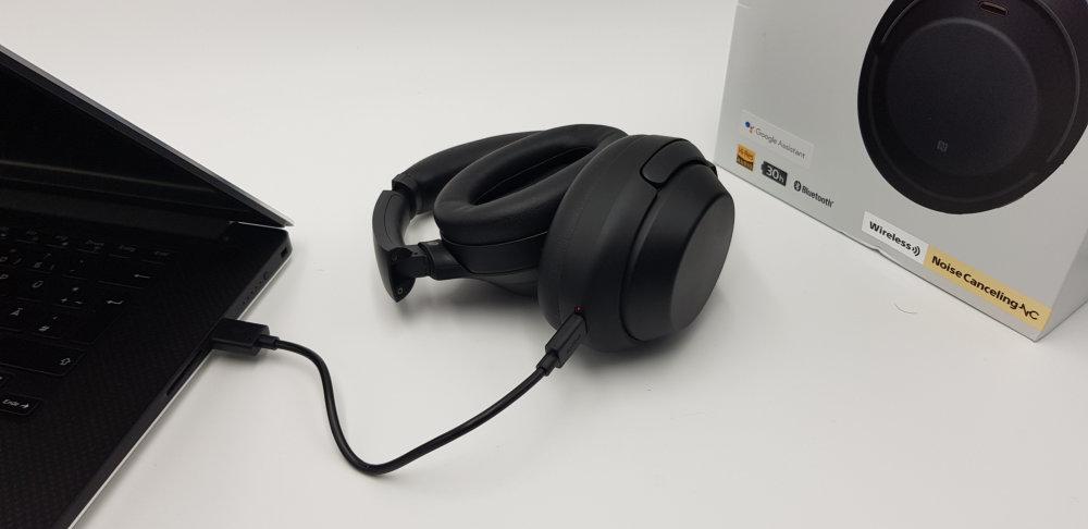 Sony WH-1000XM3 Akku aufladen