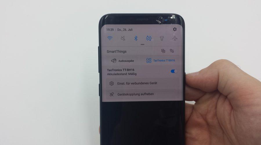 Der Ladezustand der TaoTronics TT-BH16 wird auf dem Smartphone angezeigt (hier: Galaxy S8 - mit einem Galaxy S4 funktionierte das leider nicht)